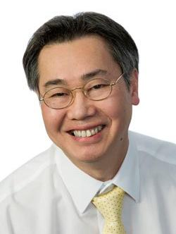 Yew-Ming Chia Headshot