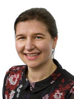 Elisa Henderson Headshot