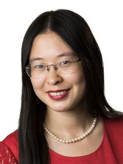 Stella Wang Headshot