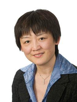 Ling Liu Headshot