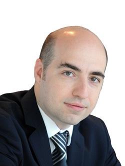 Roberto Rossi Headshot