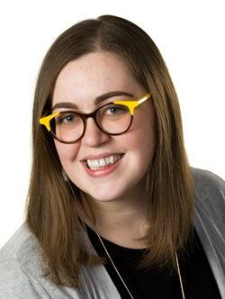 Lindsey Singleton Headshot