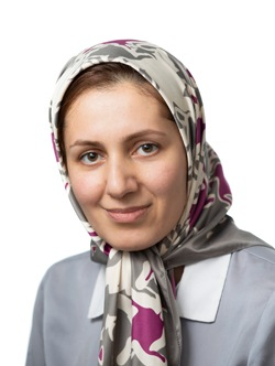 Hajar Mozaffar Headshot