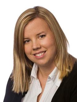 Sarah Yaxley Headshot