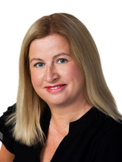 Angela Muir Headshot