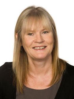 Ann Hunter Headshot