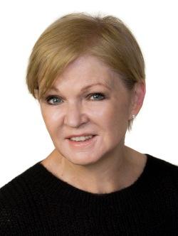 Christine Cooper Headshot
